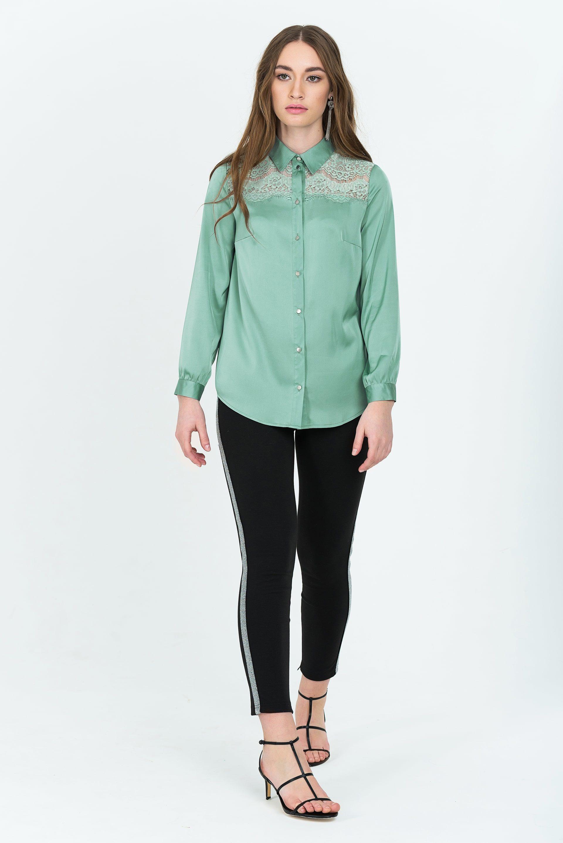 Блузка из шелка с гипюровыми вставками
