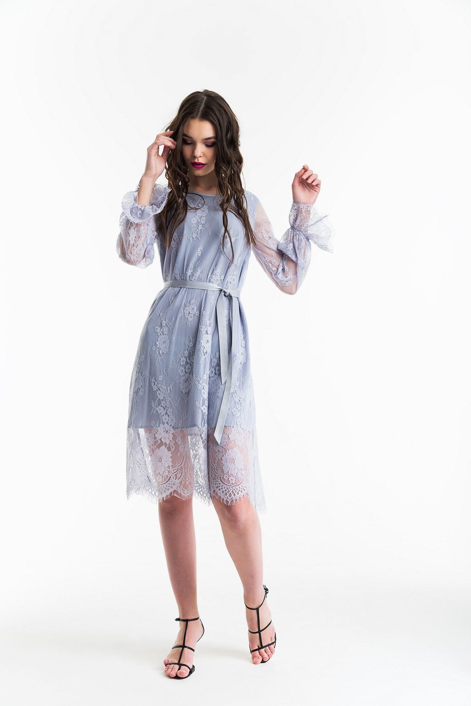 Платье гипюровое А-образного силуэта
