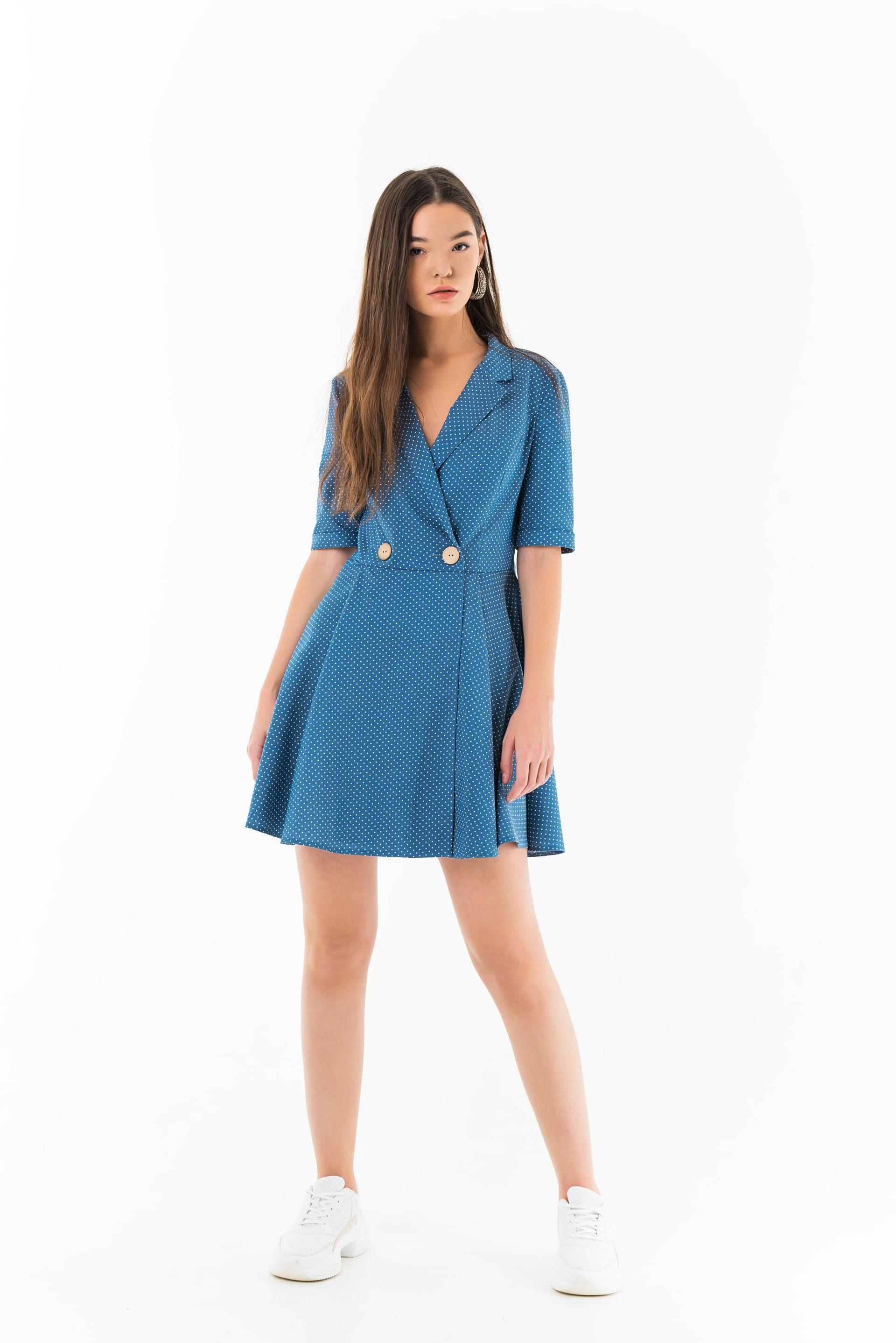 Платье двубортное в горошек