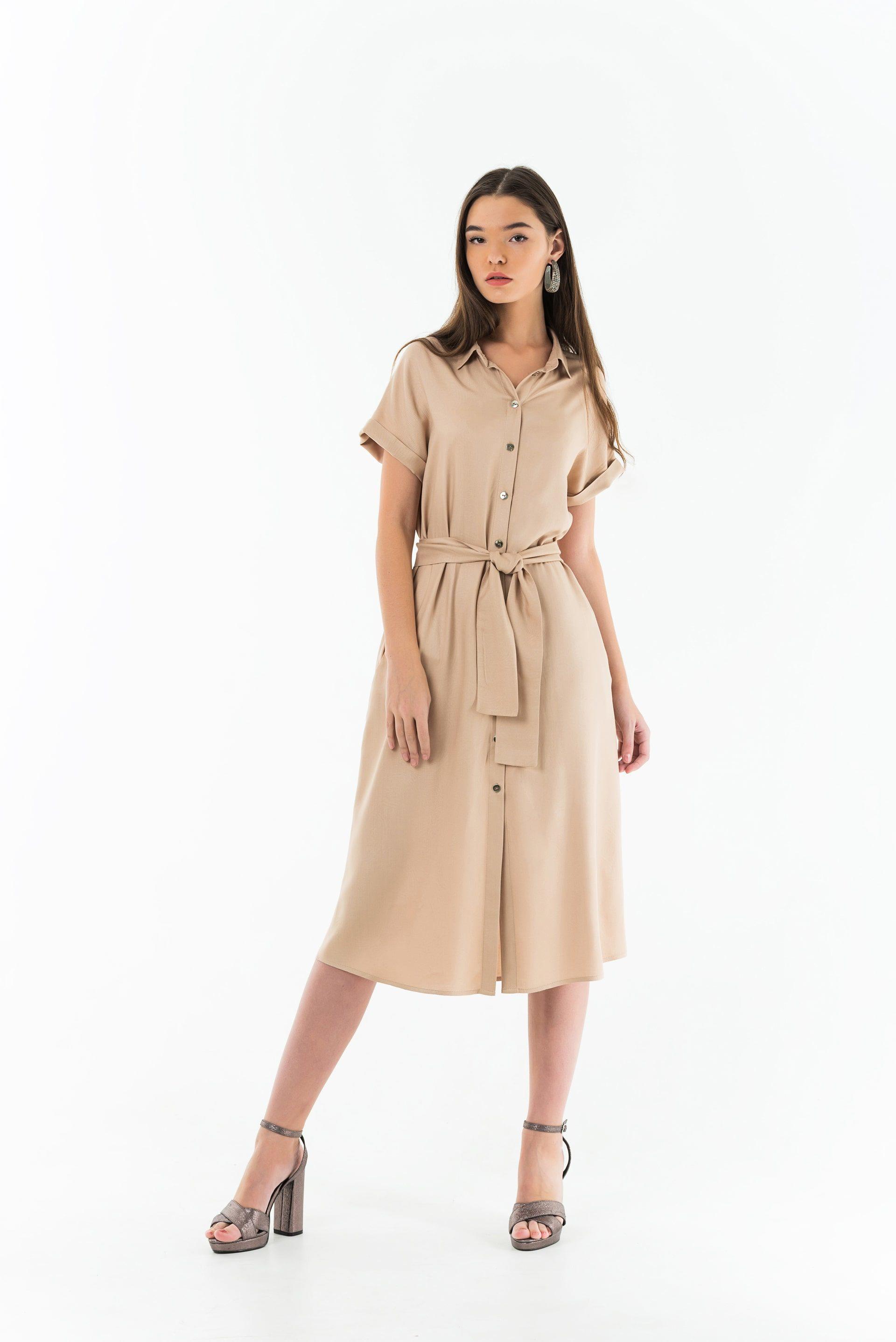 Платье-рубашка со спущенным плечом