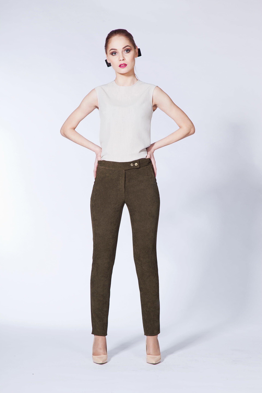 Классические брюки из микровельвета