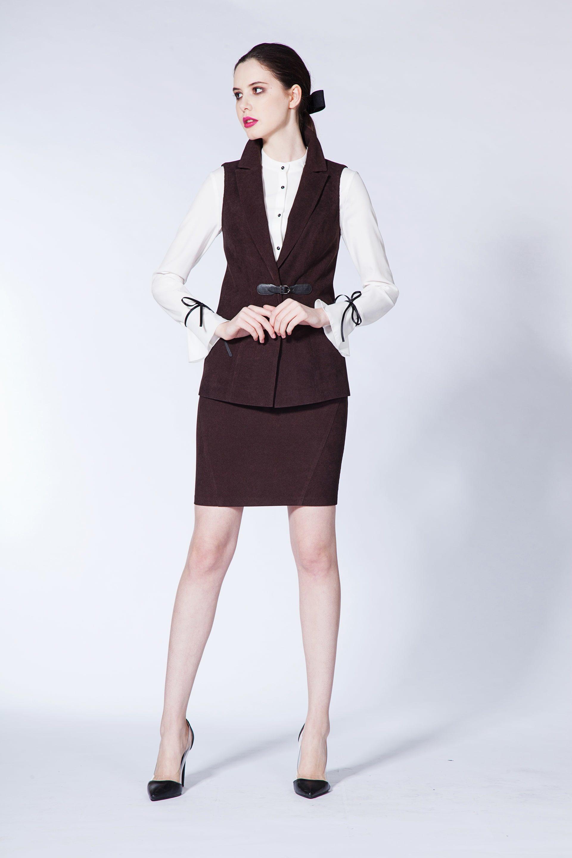 Блузка с декоративной лентой