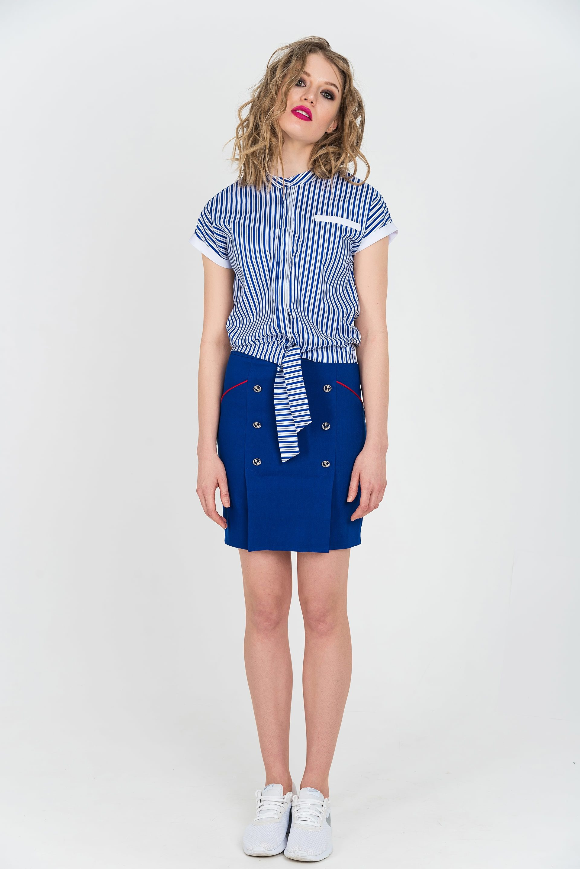 Блузка прямого кроя со спущенным плечом - 40