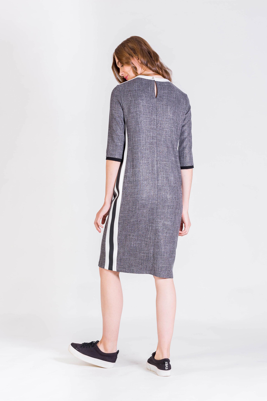 Платье с лампасой по бокам