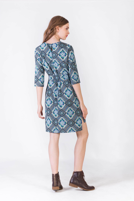 Платье из ниагары прямого кроя