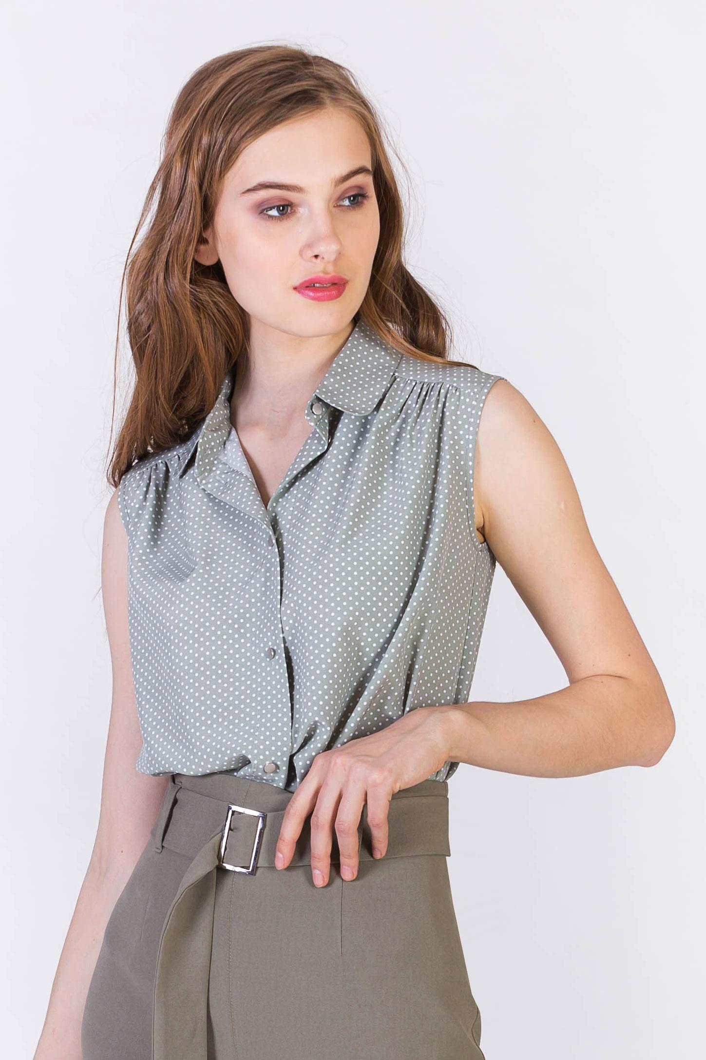 Блузка без рукавов в горошек