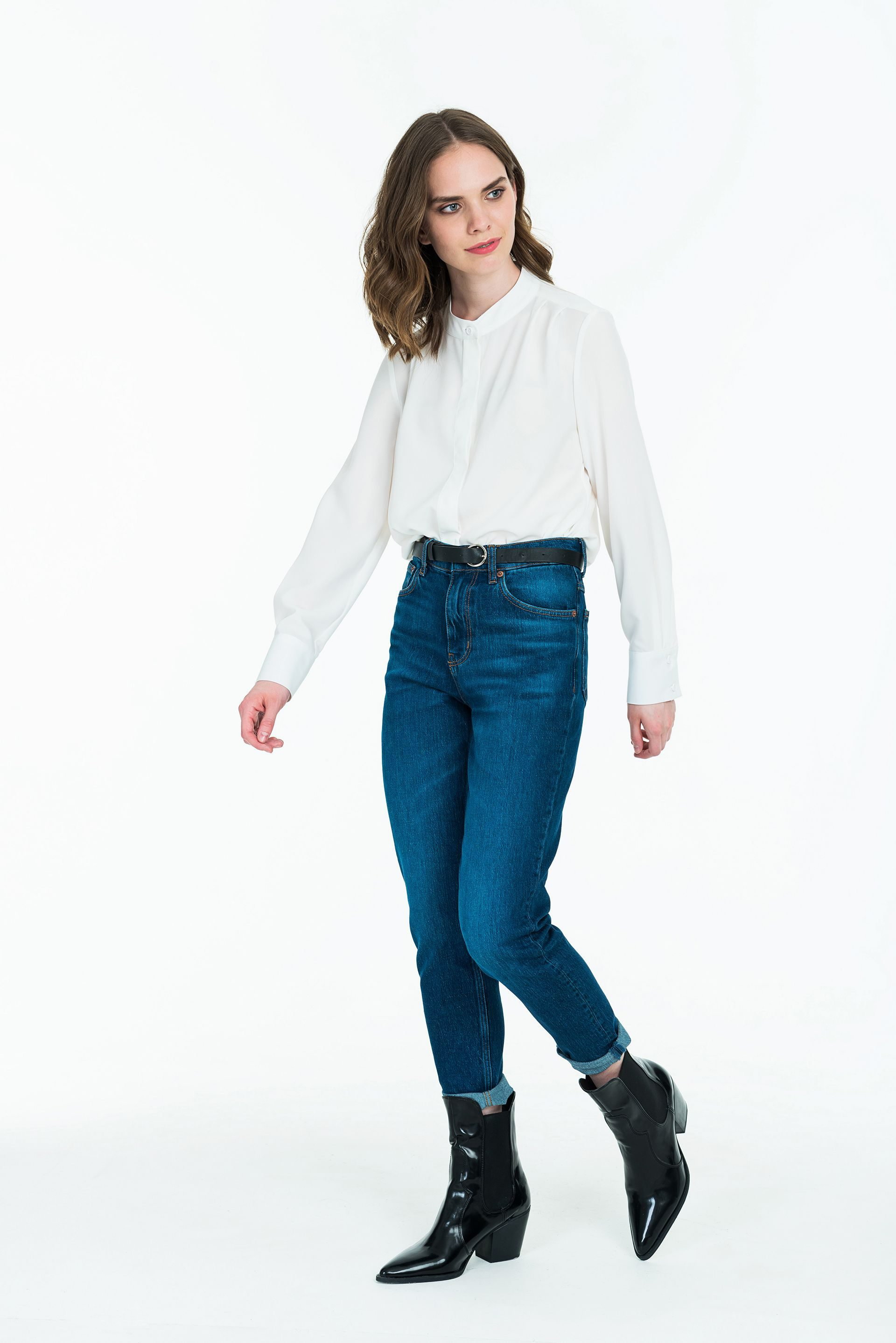 Рубашка оверсайз силуэта с защипами на плечах
